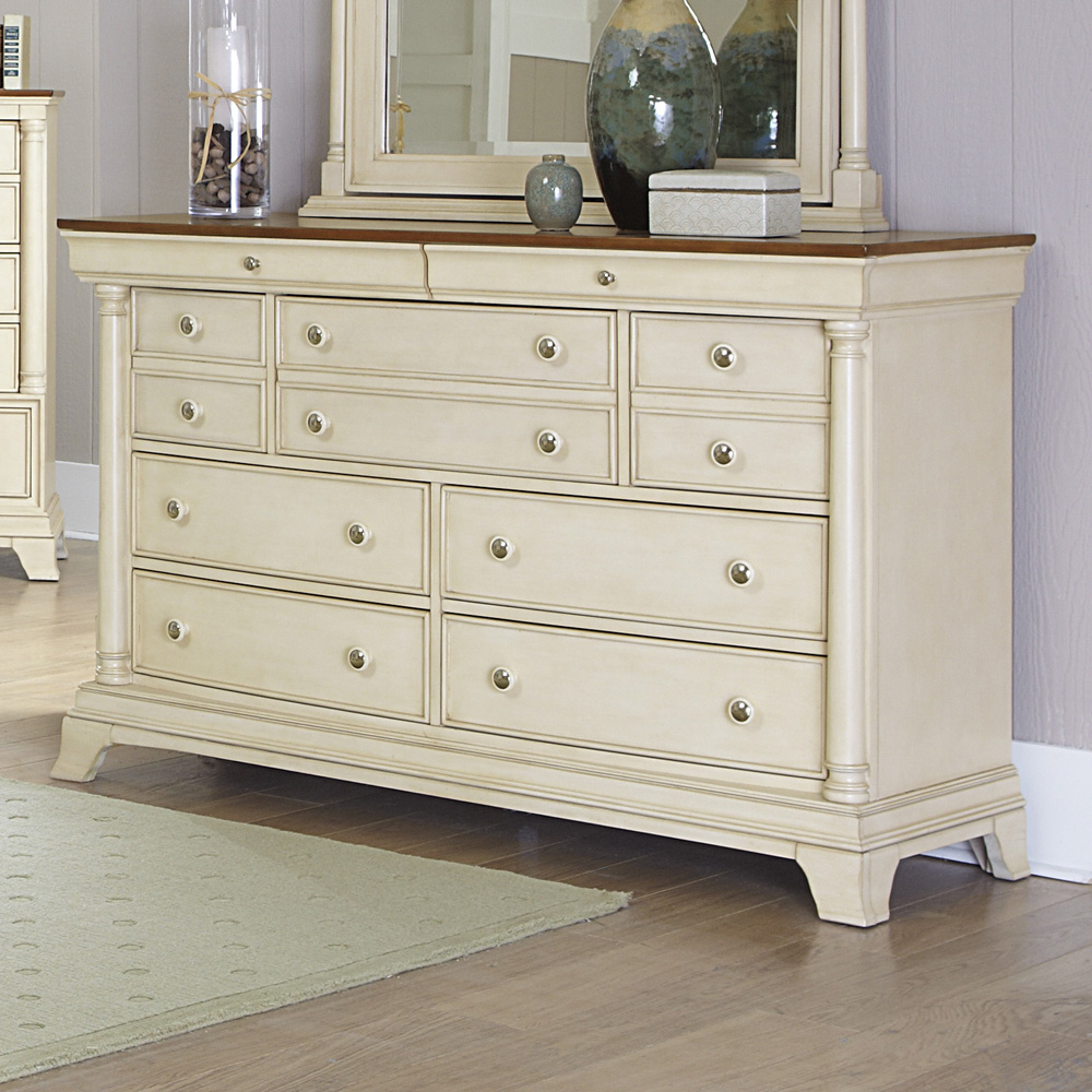Image of: Inglewood Antique White Dresser