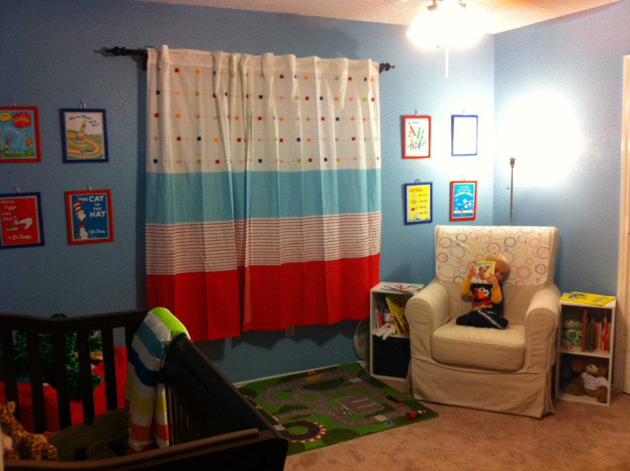 Image of: Kid Bedroom Curtain Room