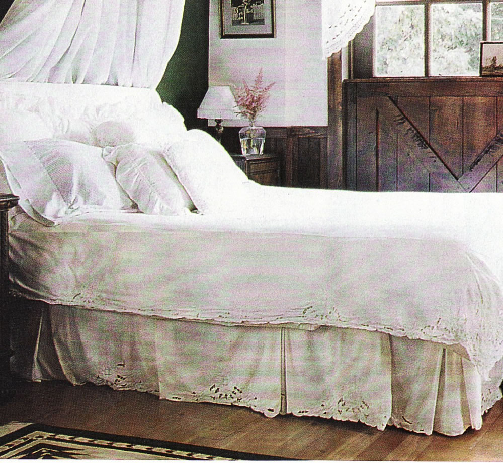 Image of: Lace Bed Skirt Ideas