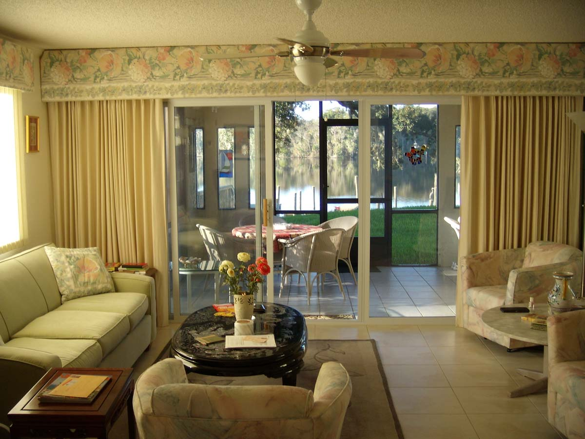 Image of: Living Room Curtains Luxury