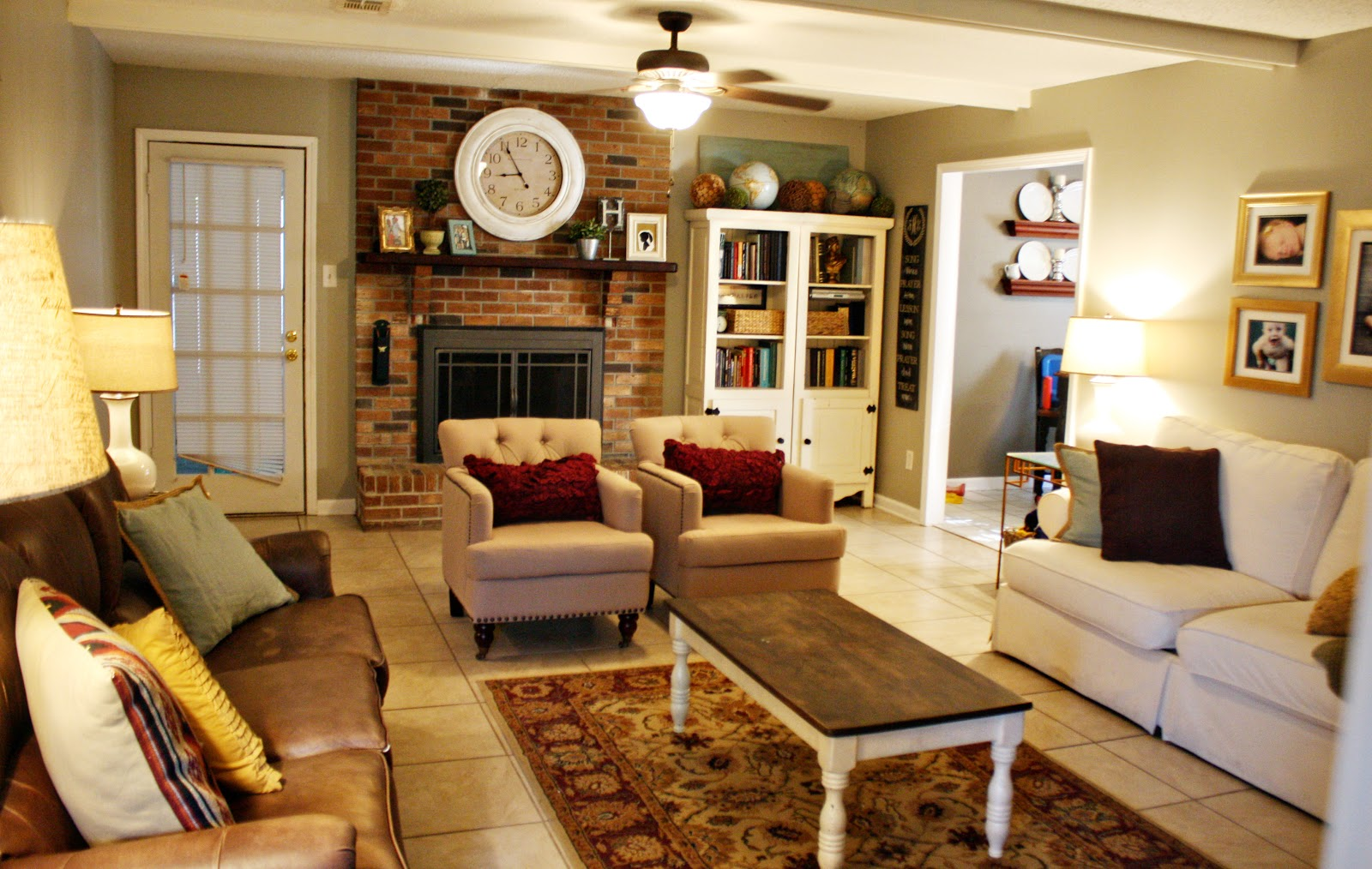 Image of: Living Room Organizing Small