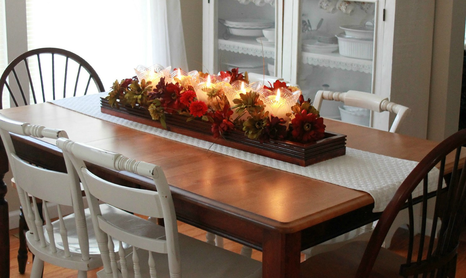 Image of: Living Room Table Centerpieces Simple