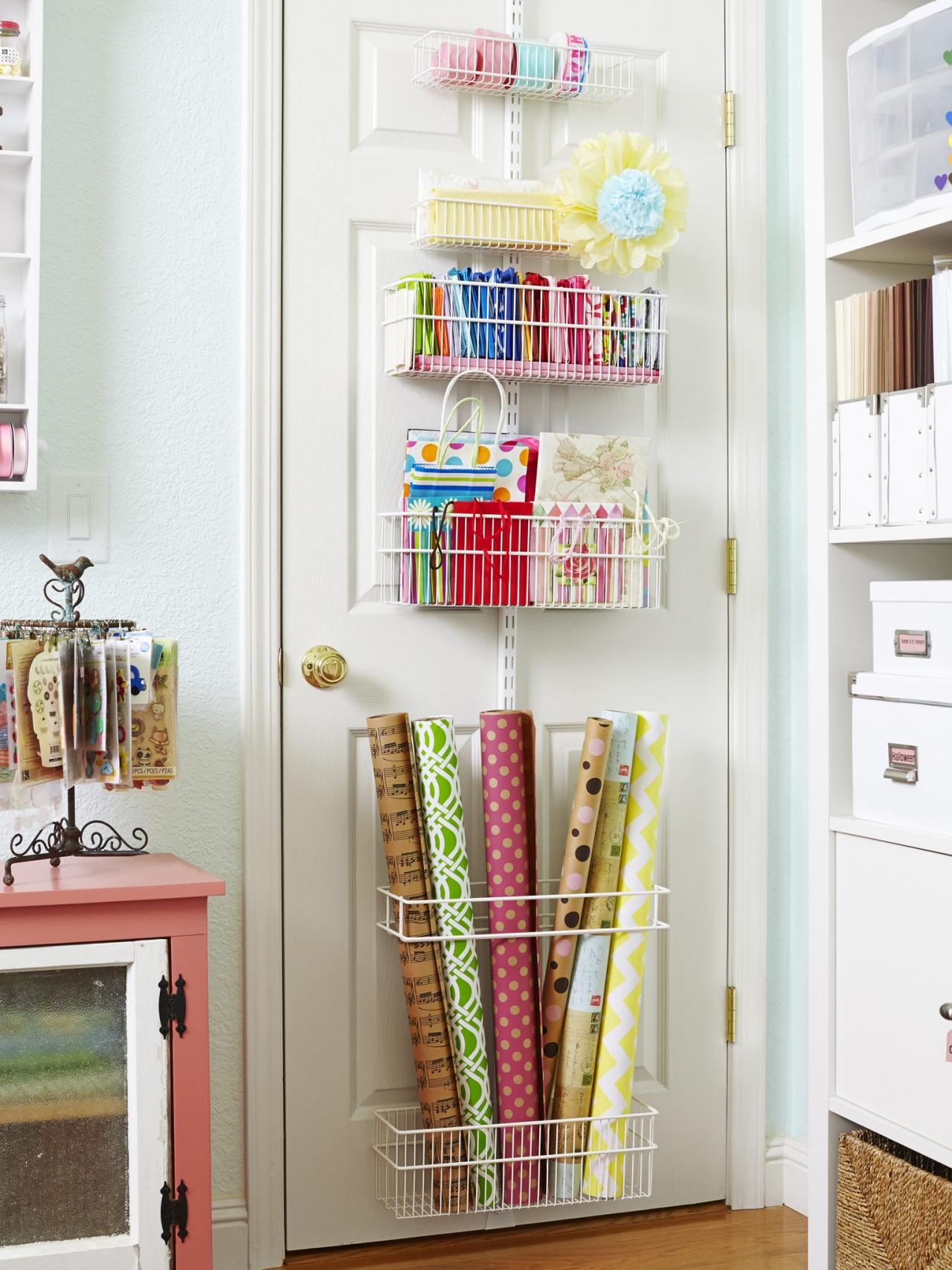 Image of: Maximing Small Craft Room Storage Ideas