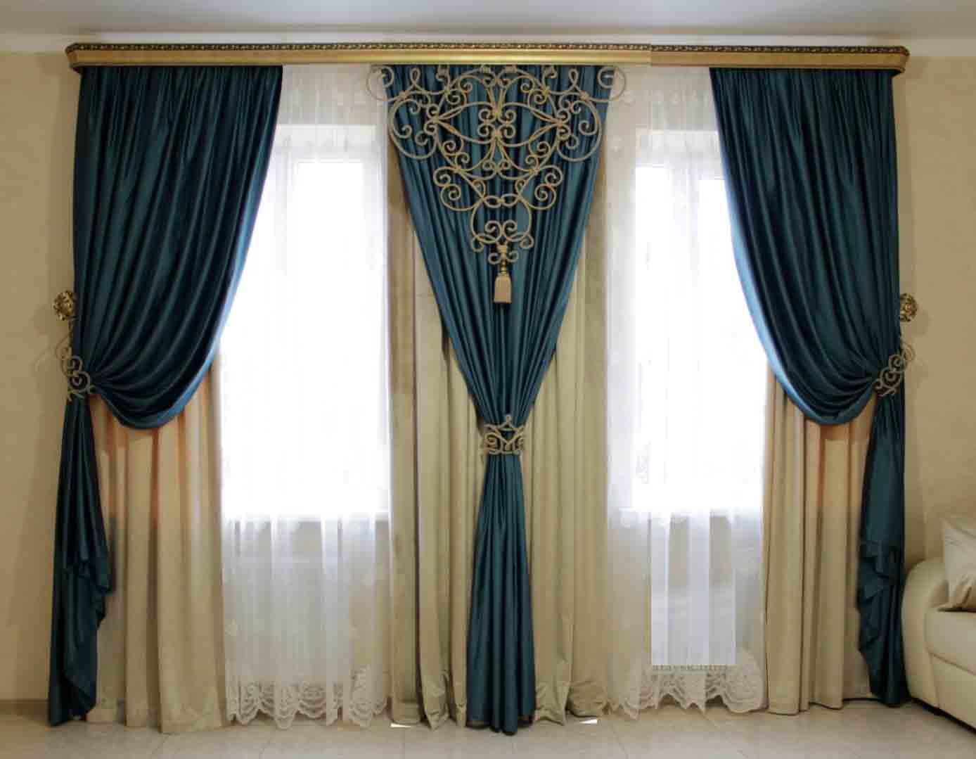 Image of: Modern Living Room Curtains Blue