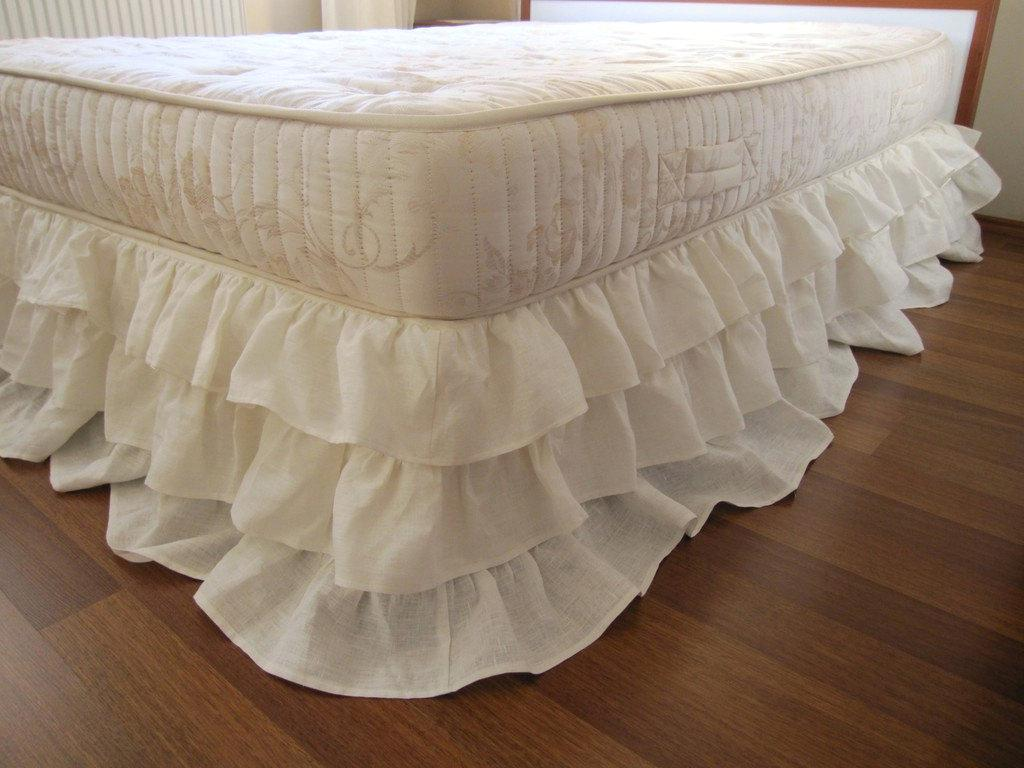 Image of: Queen Gingham Bed Skirt