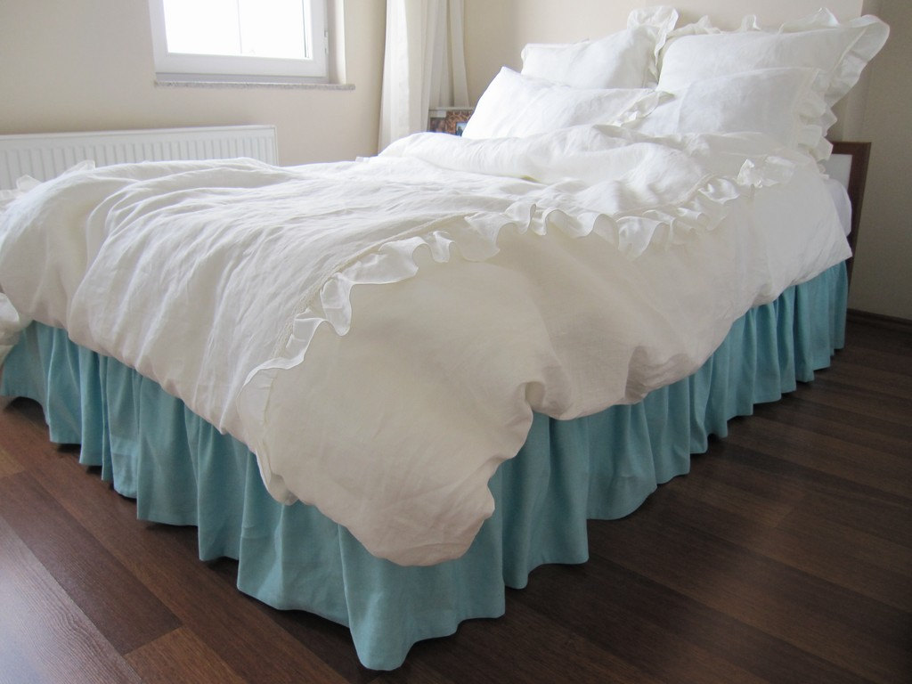 Image of: Remove Gingham Bed Skirt