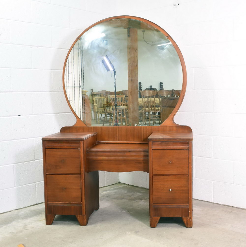 Image of: Round Antique Vanity Dresser