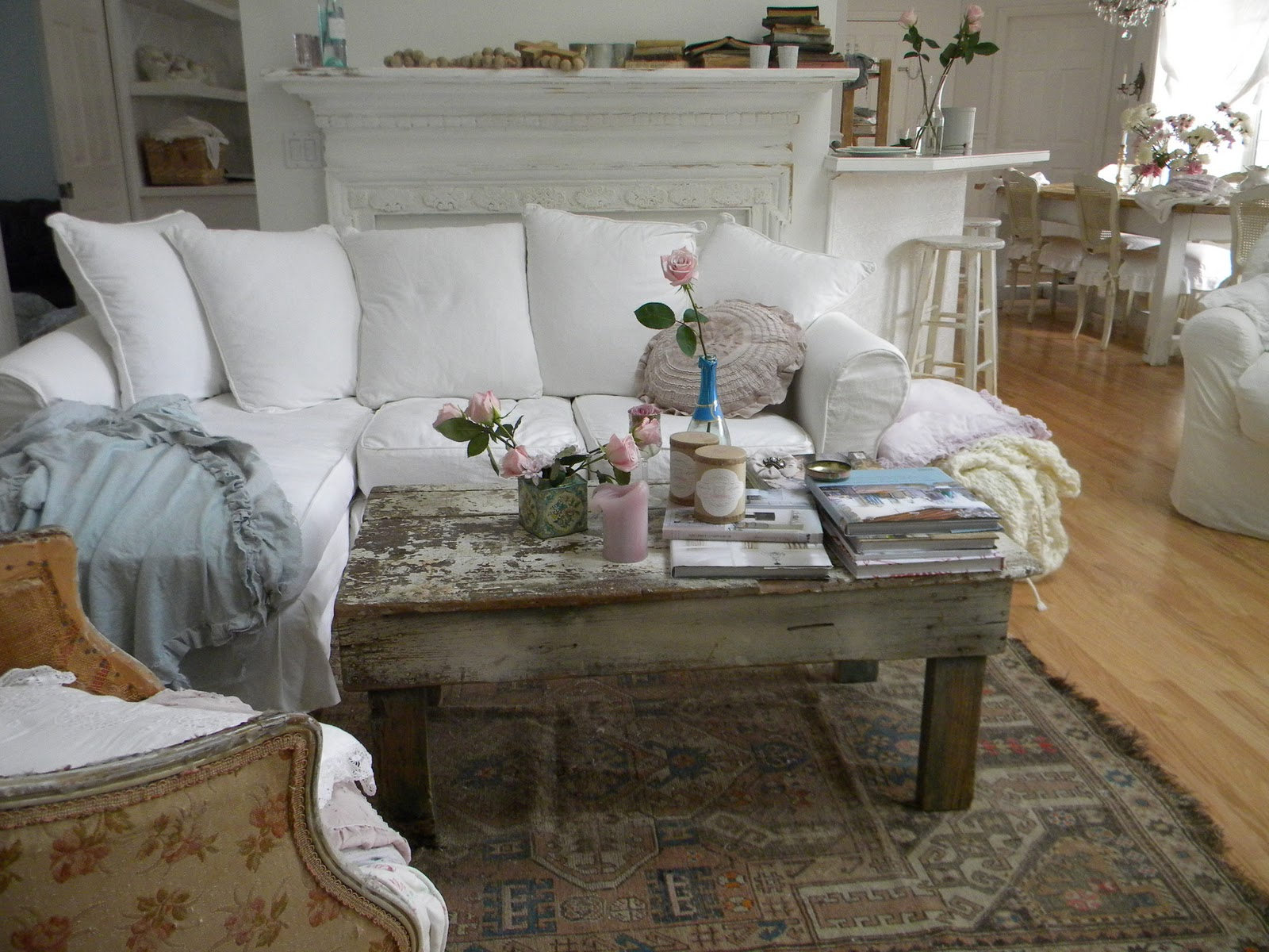 Image of: Shabby Chic Living Room Awesome
