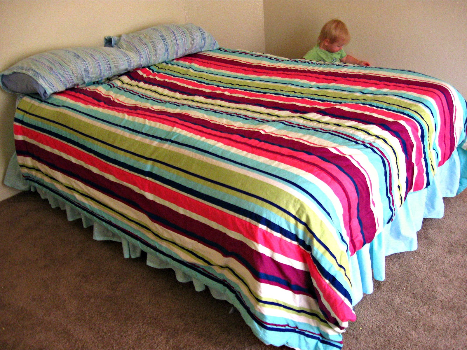 Simple DIY Bed Skirt