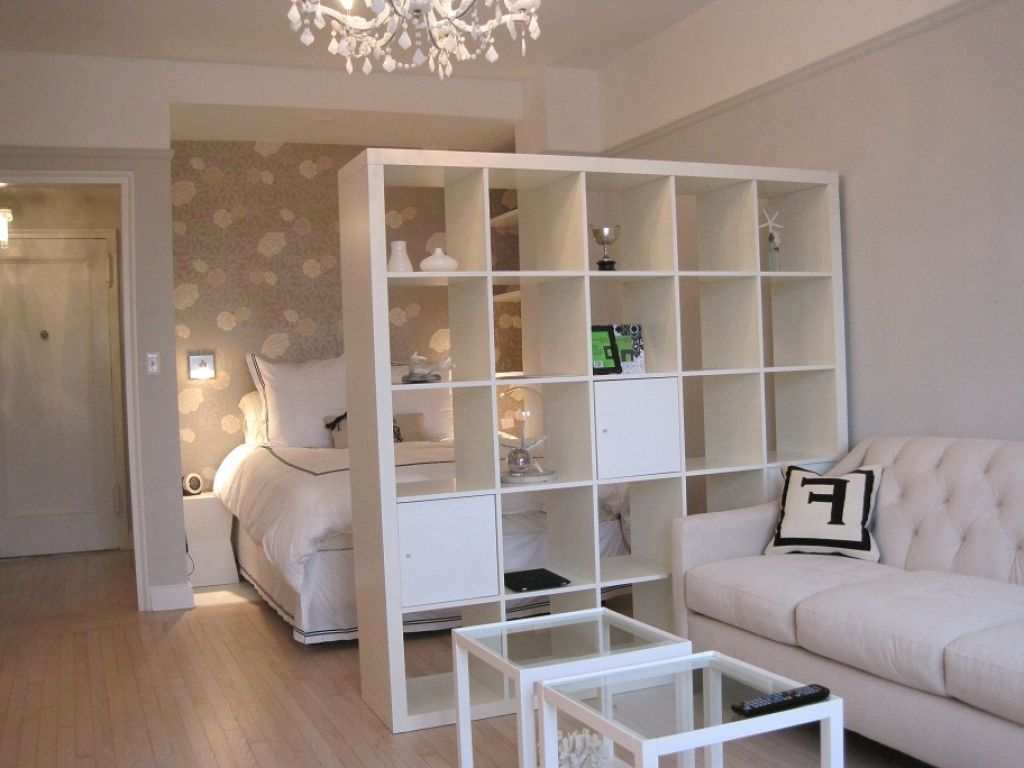 Image of: Small Apartment Storage Ideas Divider