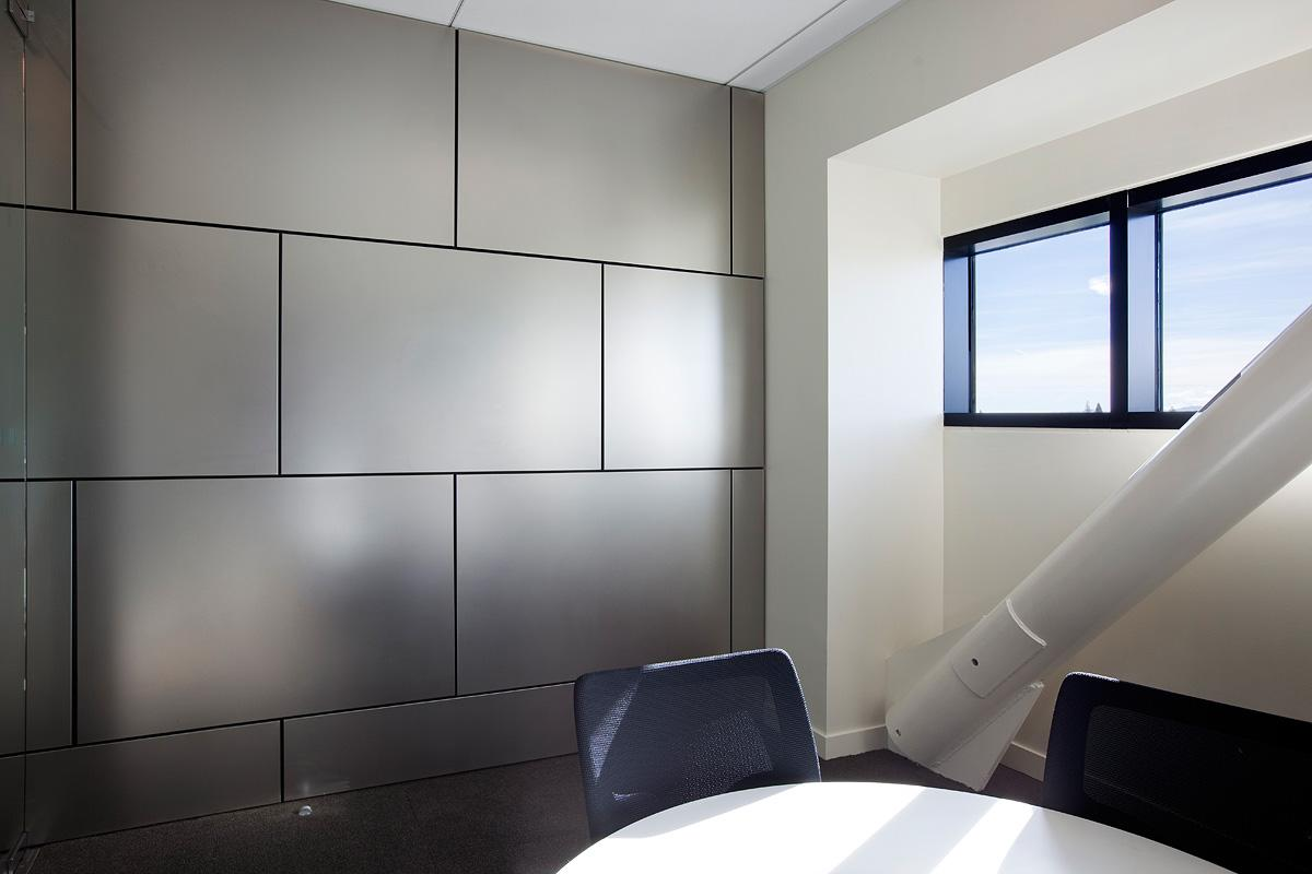 Image of: Stainless Steel Wall Panels Room