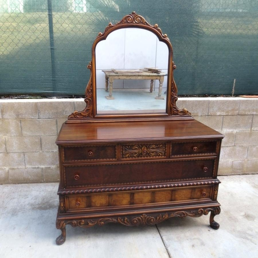 Image of: Stunning Antique Vanity Dresser