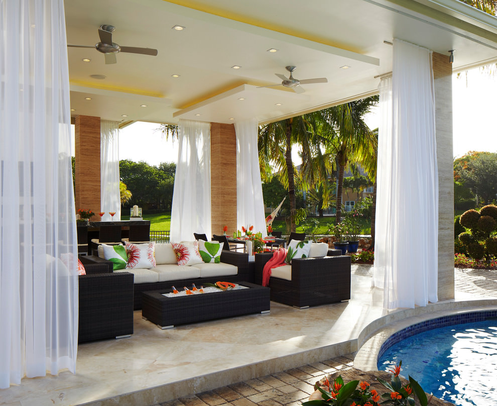 Image of: Tropical Living Room White