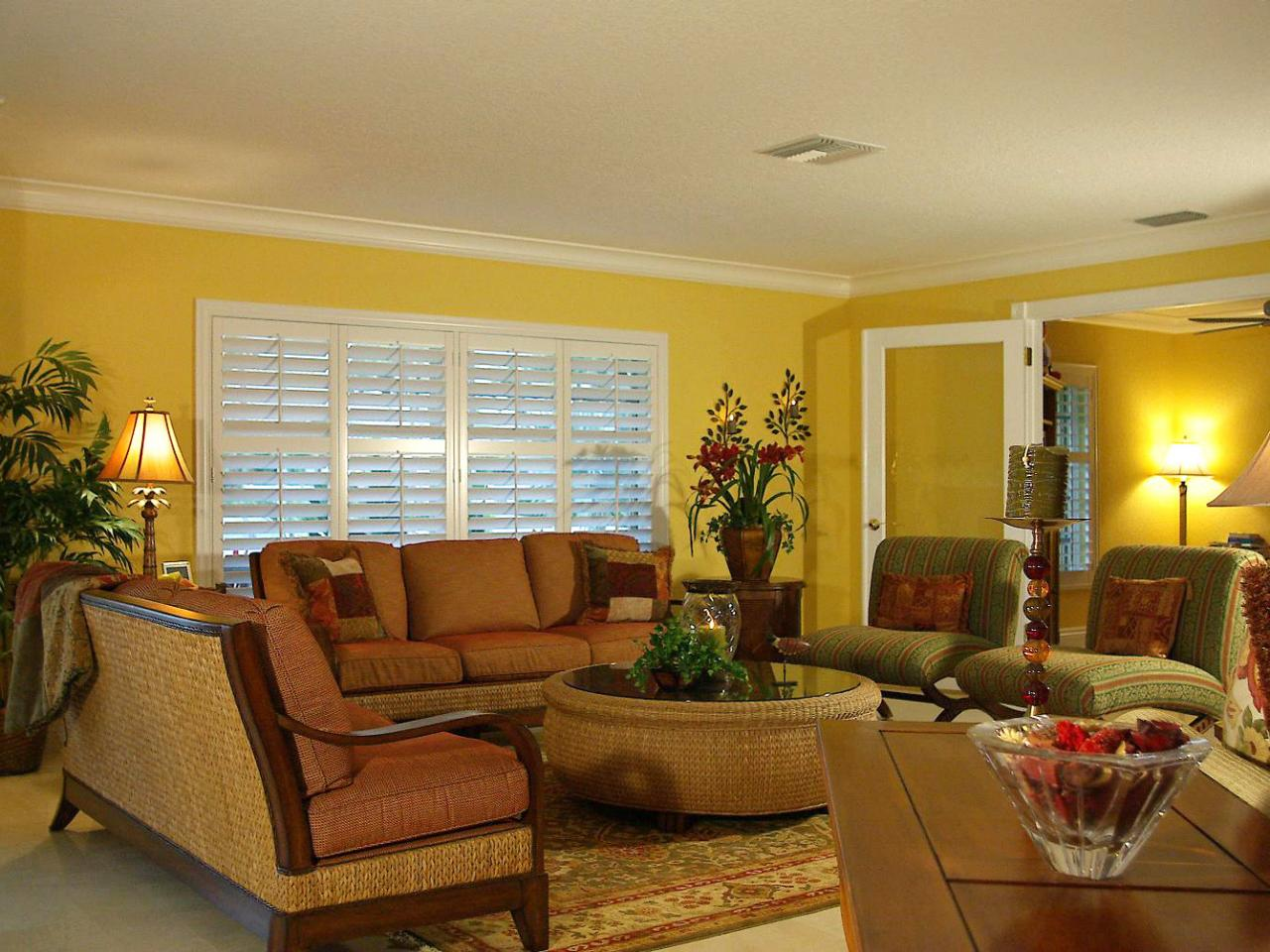 Image of: Tropical Living Room Yellow