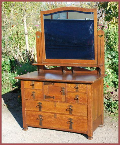 Image of: Unusual Arts and Crafts Dresser