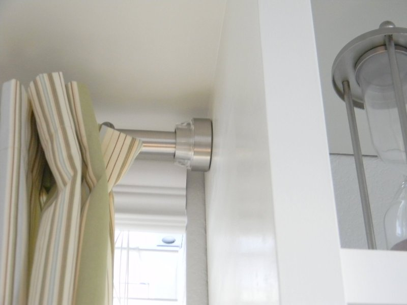 Image of: White Curtain Rod Design