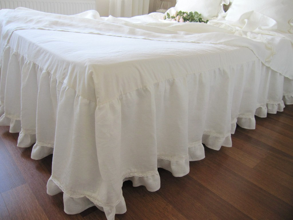 Image of: White Ruffle Bed Skirt Ivory