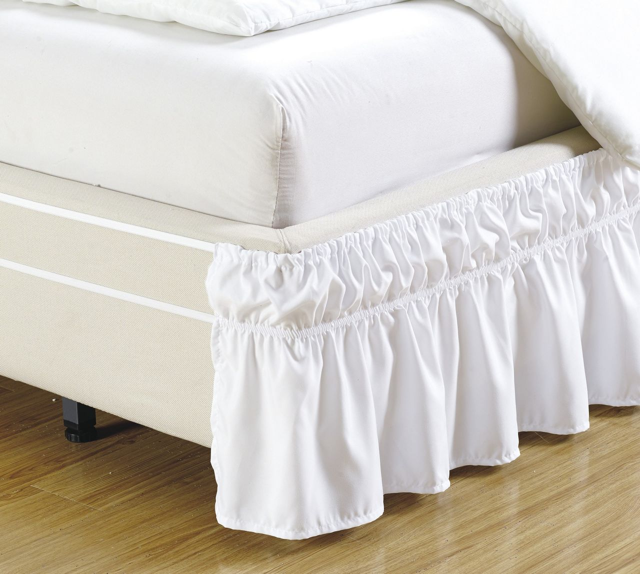 Image of: White Ruffle Bed Skirt Model