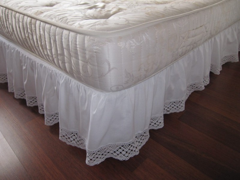Image of: White Ruffled Bed Skirt