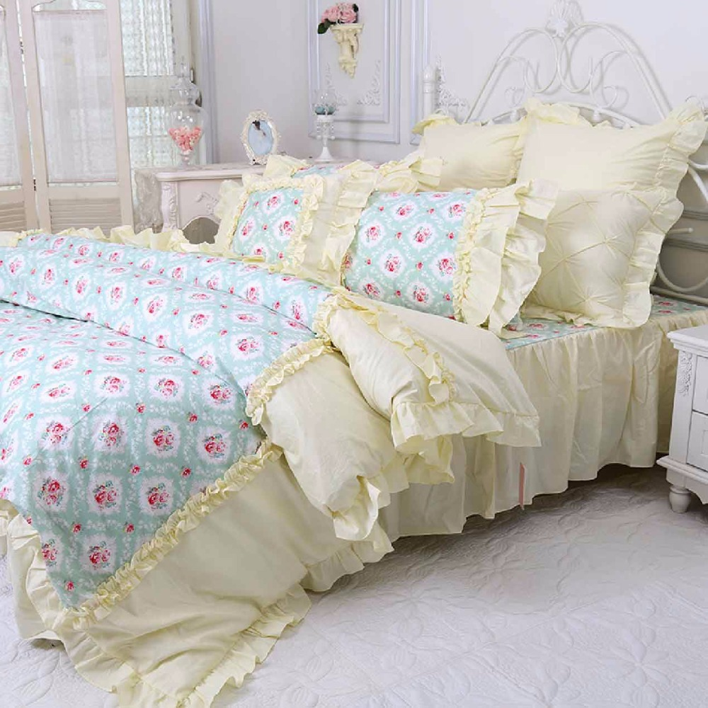 Image of: Yellow Bed Skirt Design Ideas