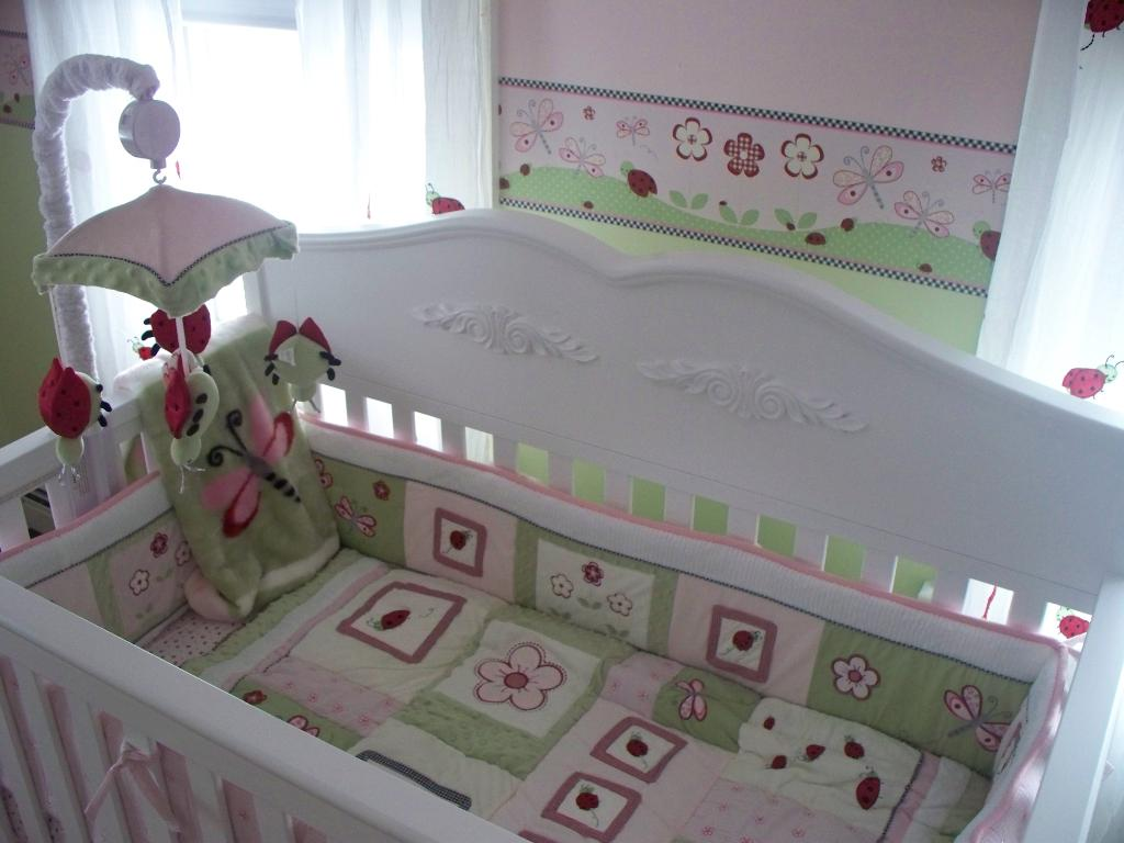 Image of: Baby Blue And Green Bedding Sets