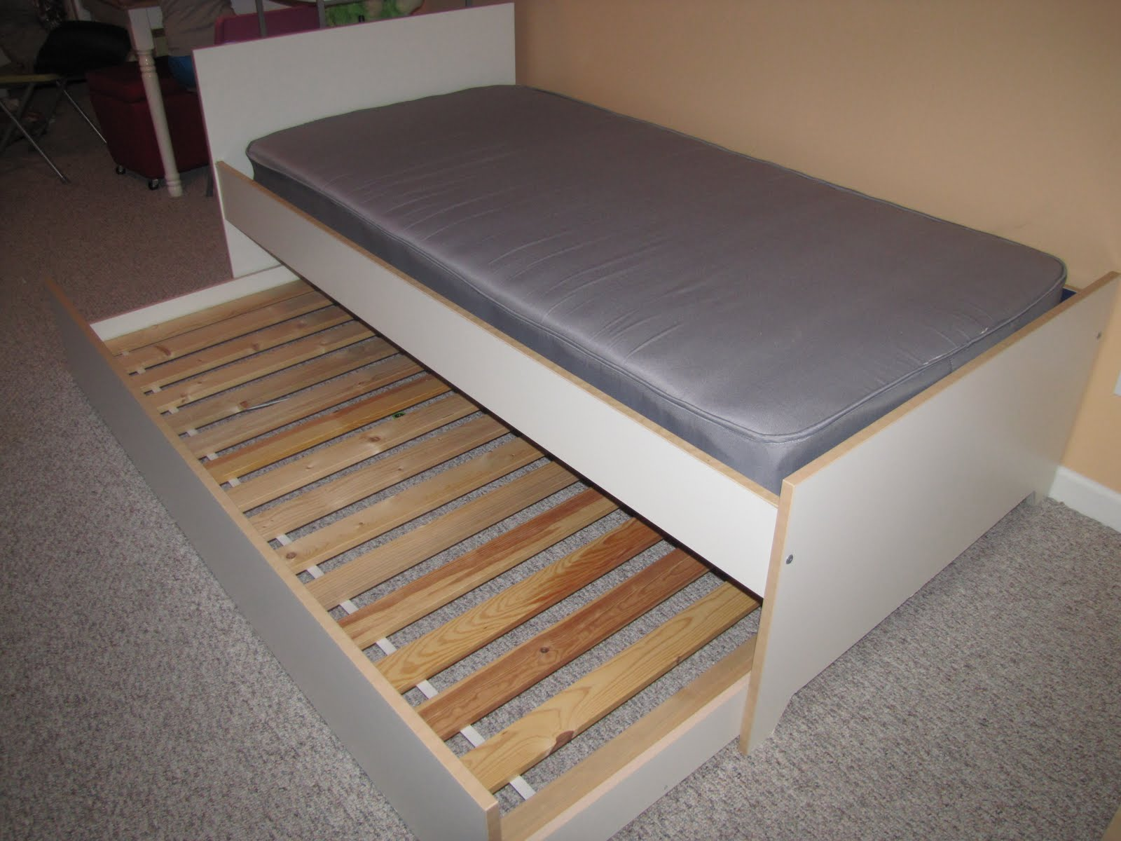 Image of: Bed Frame With Trundle Single