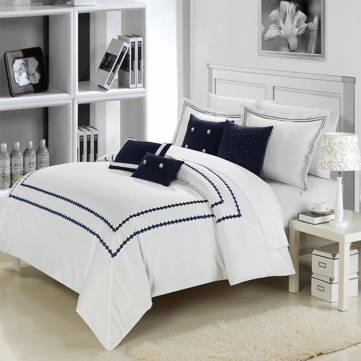 Image of: Blue and White Bedding Sets King