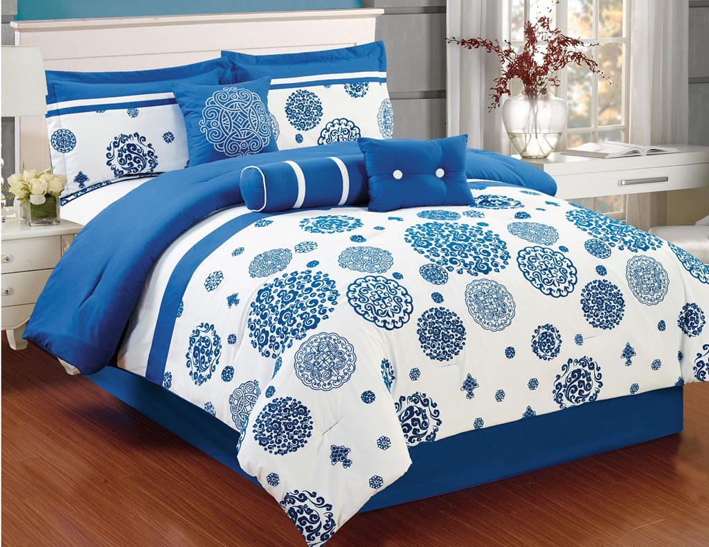 Image of: Blue and White Bedding Sets Print