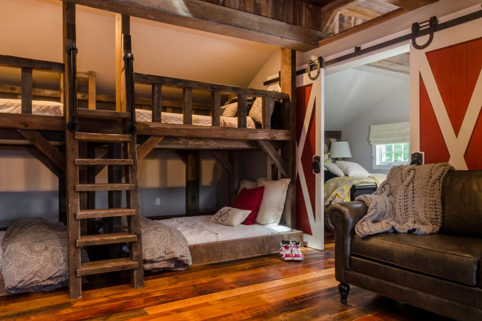 Image of: Cheap Rustic Bunk Beds