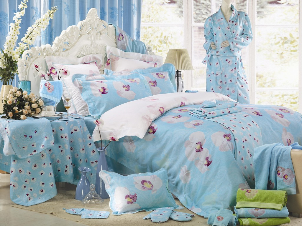 Image of: Comfortable Blue And Green Bedding Sets