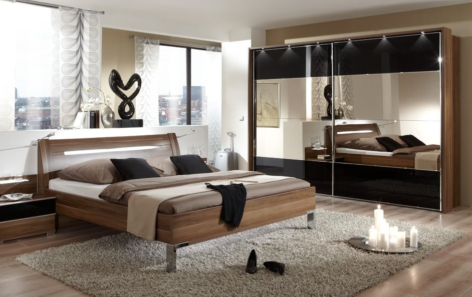 Image of: Contemporary Bed Sets Style