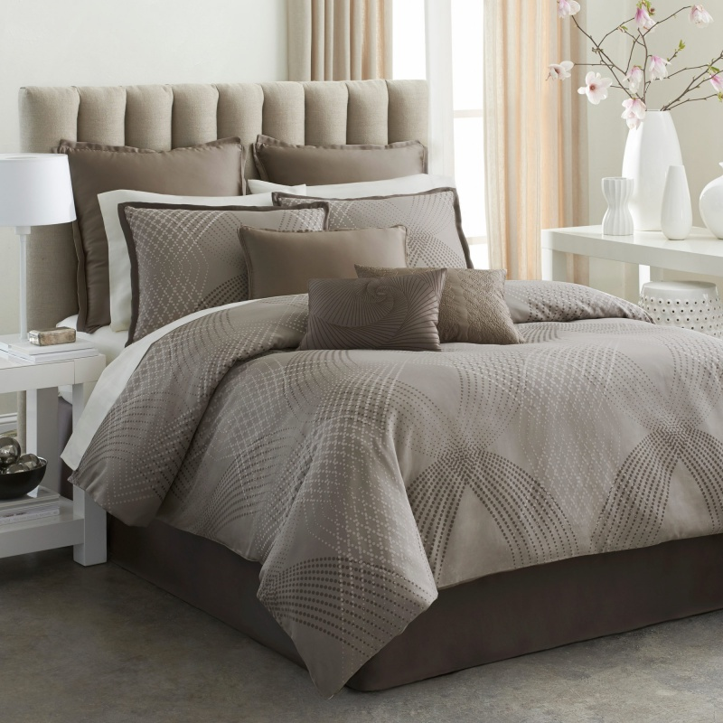 Image of: Contemporary Bedding Sets Decor