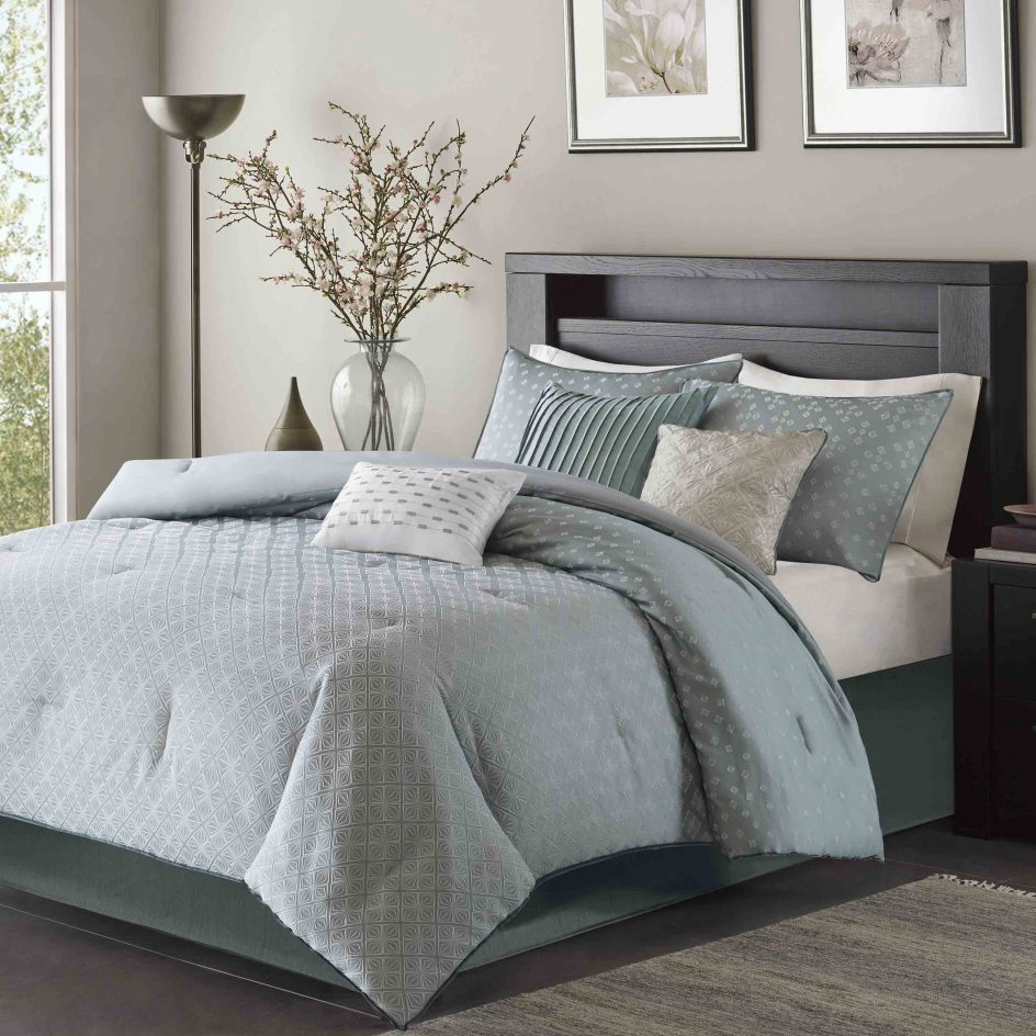 Image of: Contemporary Bedding Sets Style