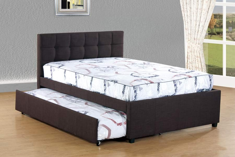 Image of: Cozy Queen Bed with Trundle