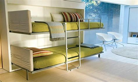 Image of: Cozy Wall Bunk Beds