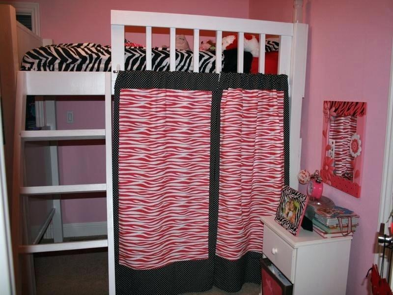 Image of: Curtain Set For Loft Bed Idea