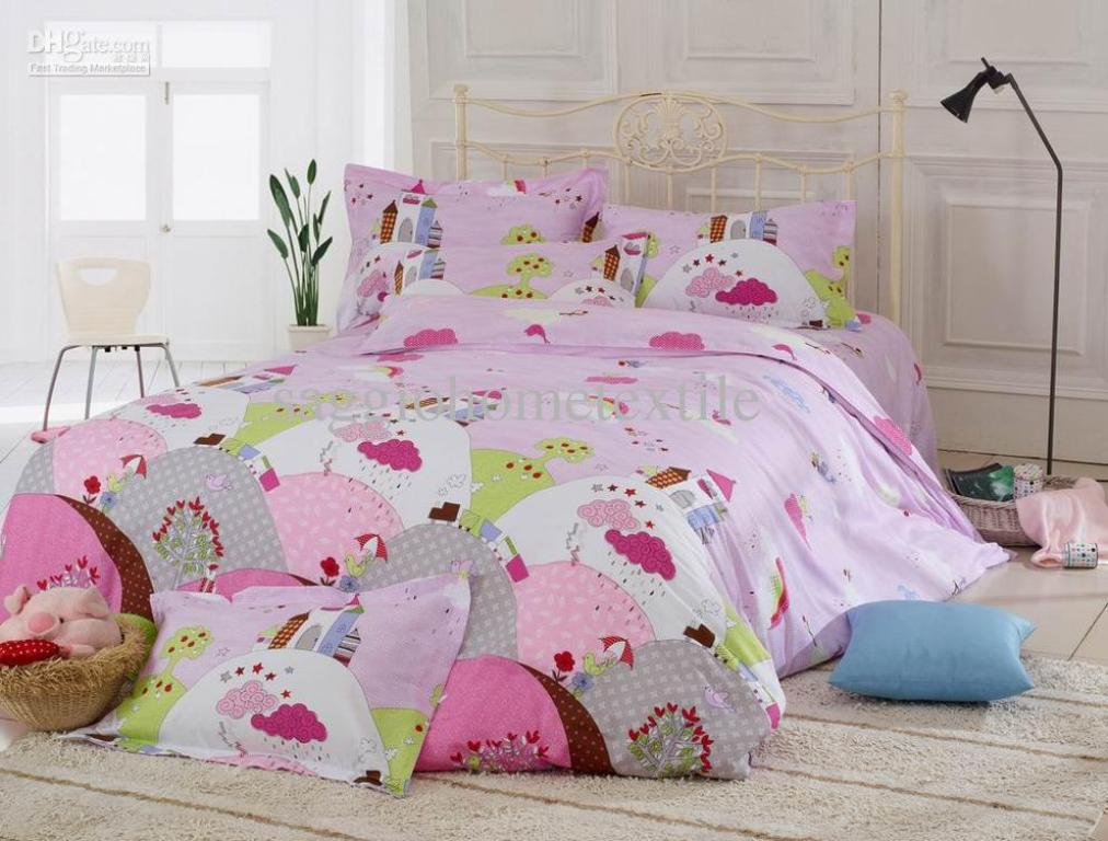 Image of: Cute Bedding Sets For College