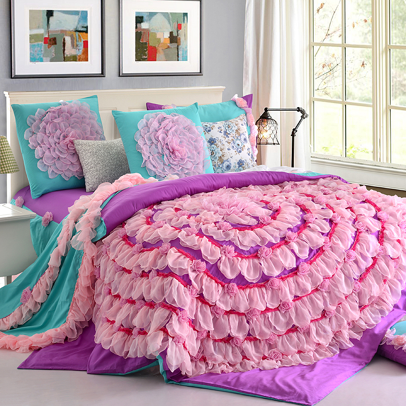Image of: Daybed Bedding Sets For Girls Lace