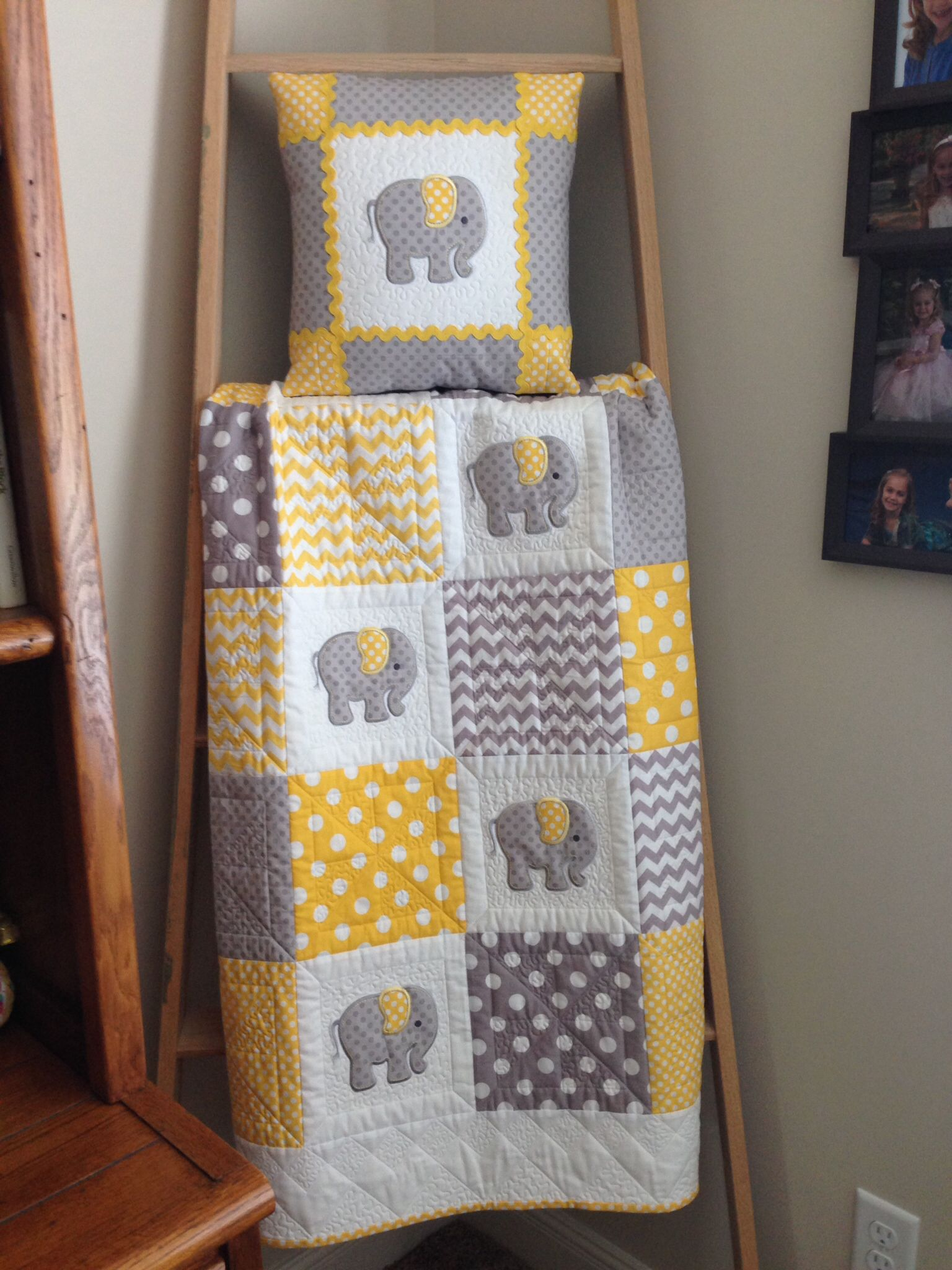 Image of: Elephant Baby Girl Bedding Yellow