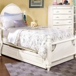 Full Trundle Bed with Headboard