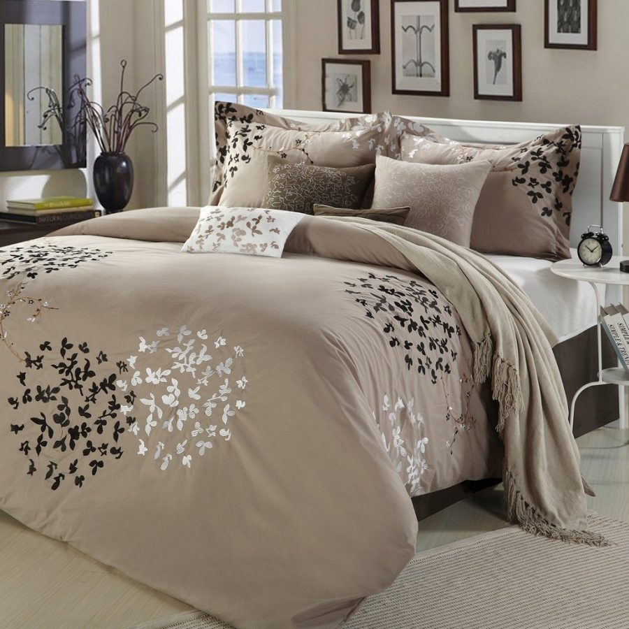 Image of: Good Contemporary Bedding Sets