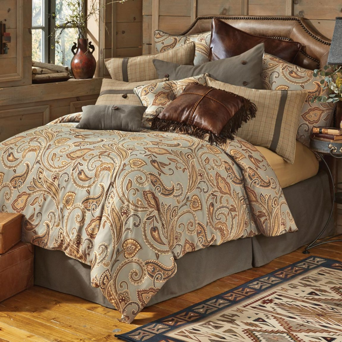Image of: Good Contemporary Luxury Bedding