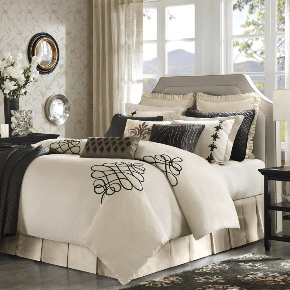 Image of: Great Contemporary Bedding Sets