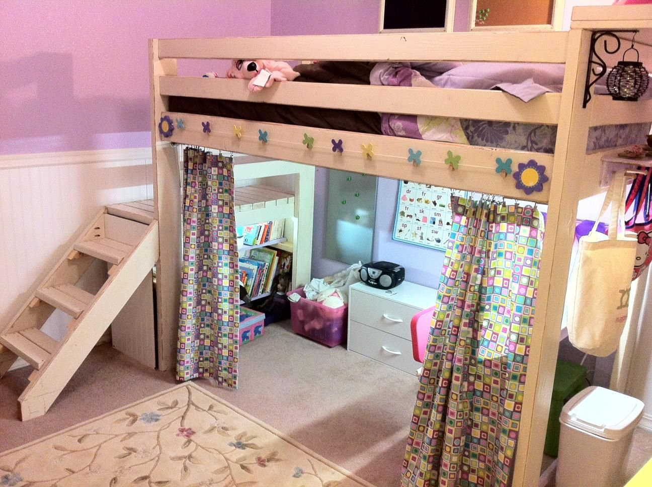Image of: Hang Curtain Set For Loft Bed