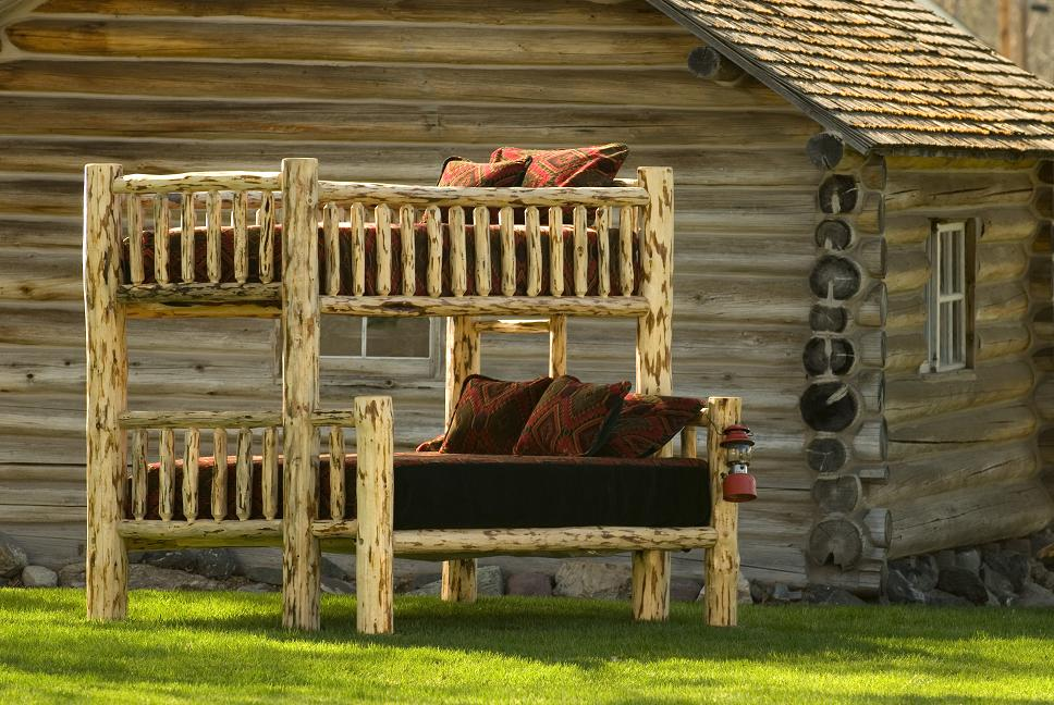 Image of: Log Rustic Bunk Beds