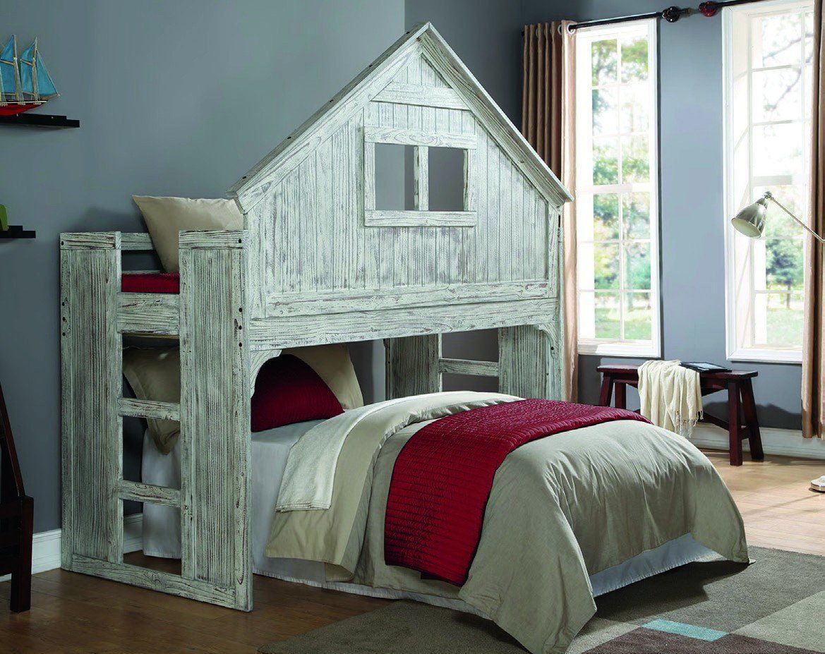 Image of: Mid Treehouse Loft Bed with Desk