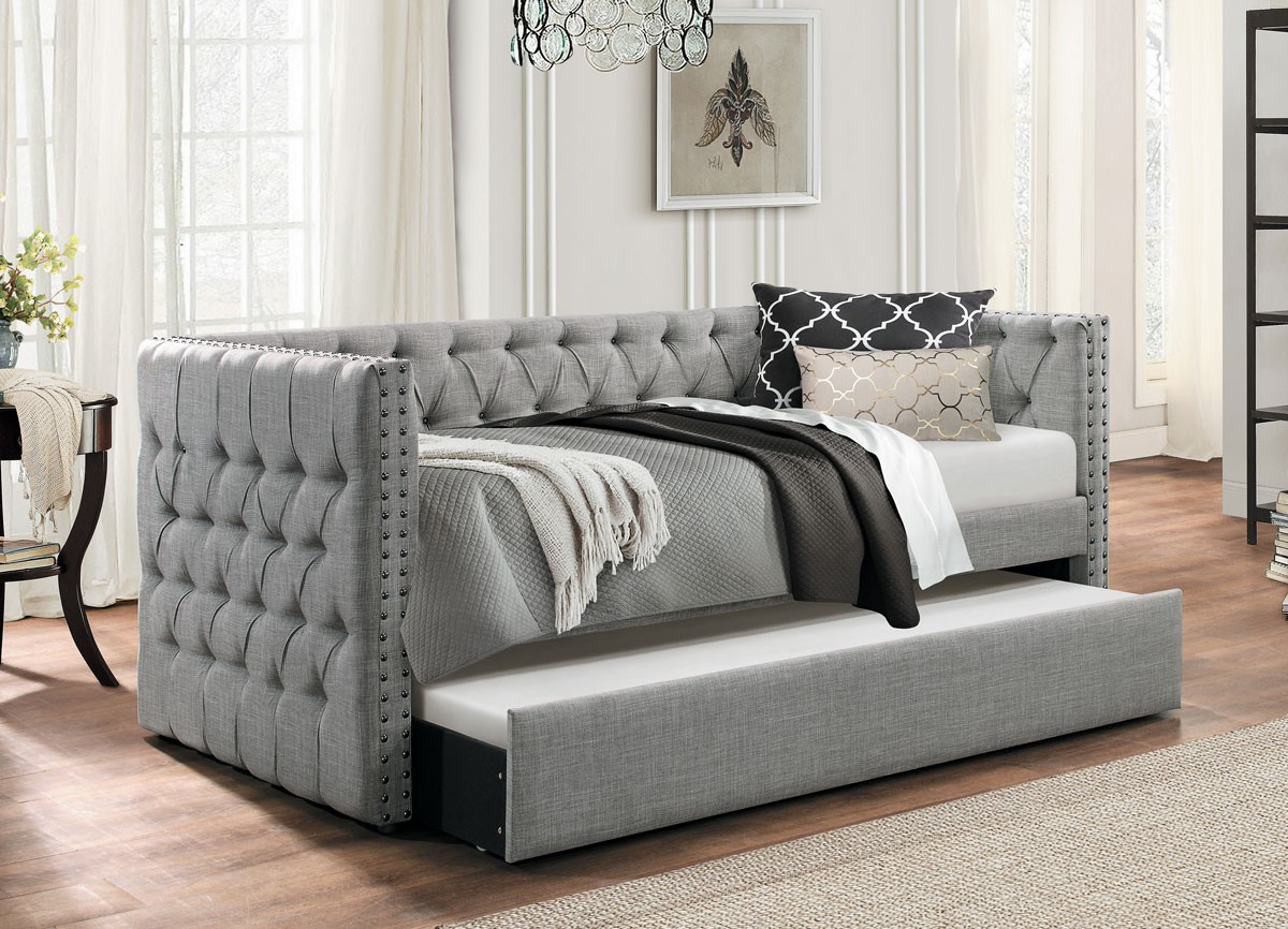 Image of: Modern Day Beds with Trundle