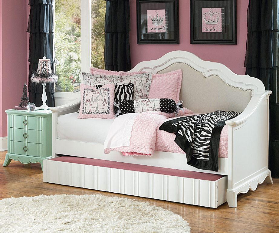 Image of: Nice Full Size Day Bed