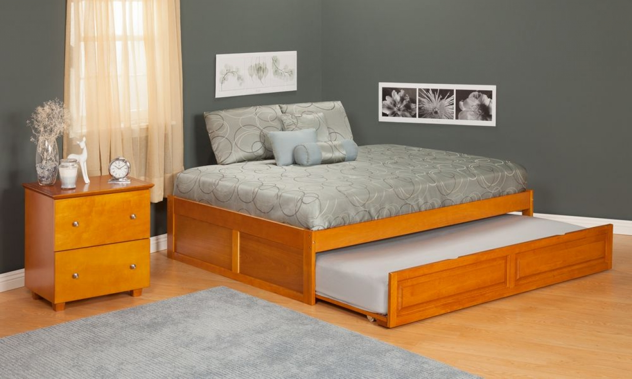 Image of: Oak Full Size Trundle Beds for Adults
