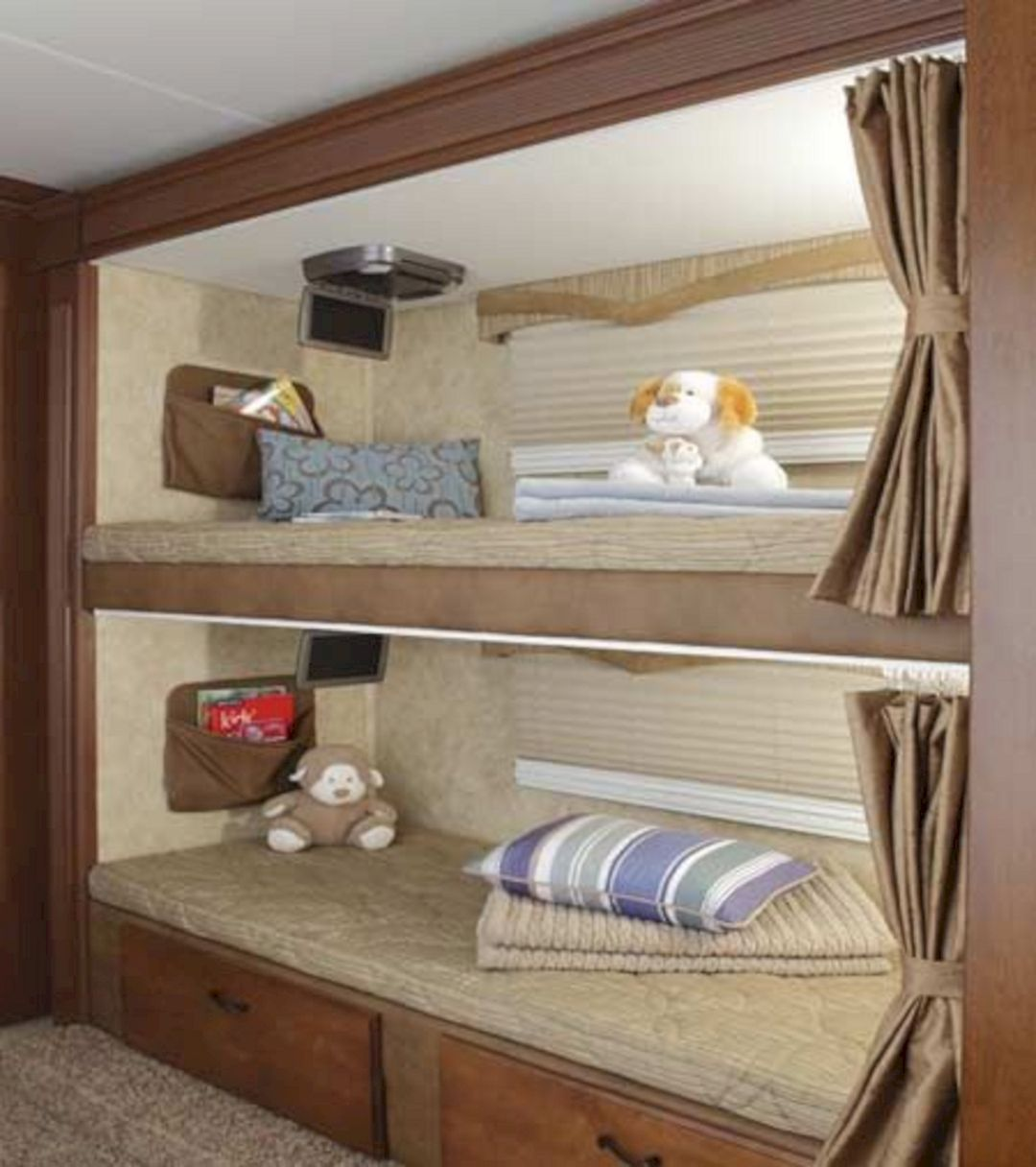 Image of: Prevost Rv With Bunk Beds